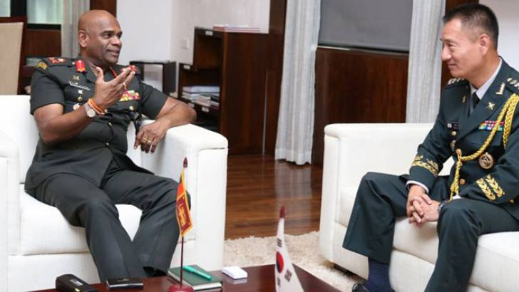 Commander of the Army, Lieutenant General Mahesh Senanayake and Defence Attaché of India-based Embassy of the Republic of Korea Colonel In Lee were in discussion on November 15 at the Army Headquarters.