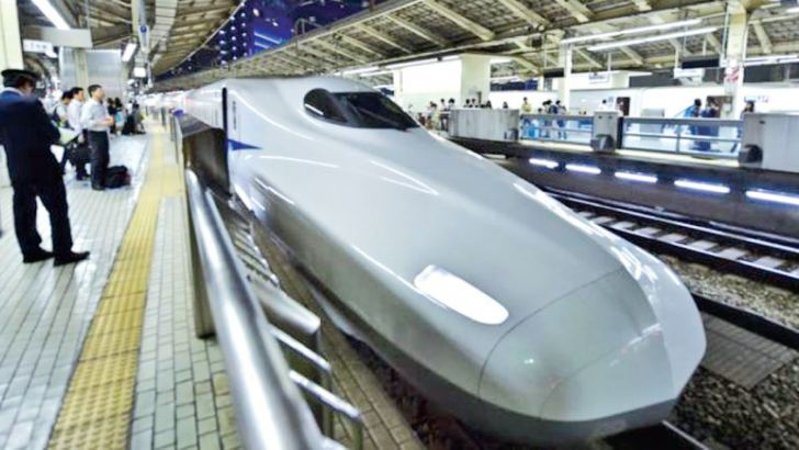 Japanese railway 'apologises' for early departure of train.