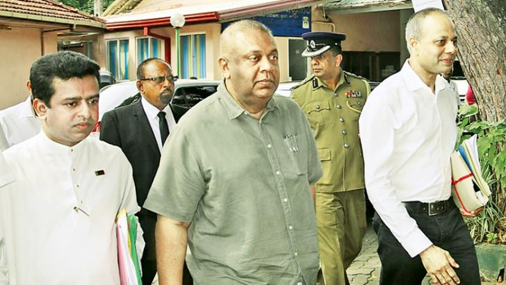 Finance and Media Minister Mangala Samaraweera accompanied by Law and Order and Southern Development Minister Sagala Ratnayaka and Member of Parliament Buddika Pathirana arriving at the Matara District Secretariat last morning to hand over nominations. Picture by Priyan De Silva