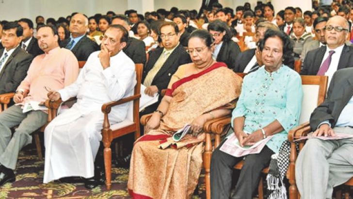Minister Navin Dissanayake and Speaker Karu Jayasuriya at the ceremony.