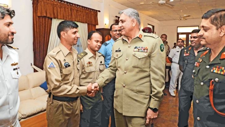 Pakistan's Chief of Army Staff General Qamar Javed Bajwa meets officers at the Sapugaskanda Defence Services Command and Staff College