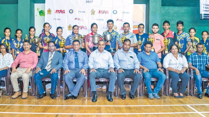 All winners of the 71st TT Nationals with chief guest and TTASL officials