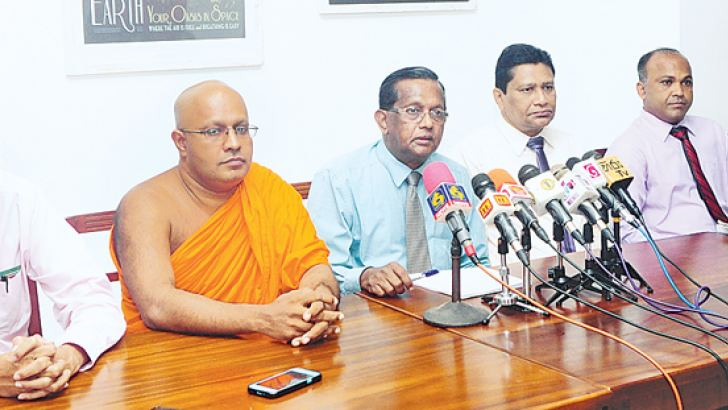 Prof. M. O. A. de Zoysa, Prof. S. W. Cyril, Prof. Kennedy D. Gunawardana, Terrance Purasinghe, Dr. Sampath Rajapaksa and Ven. Legumdeniye Priyarathana Thera at the press conference. Picture by Wasitha Patabendige.