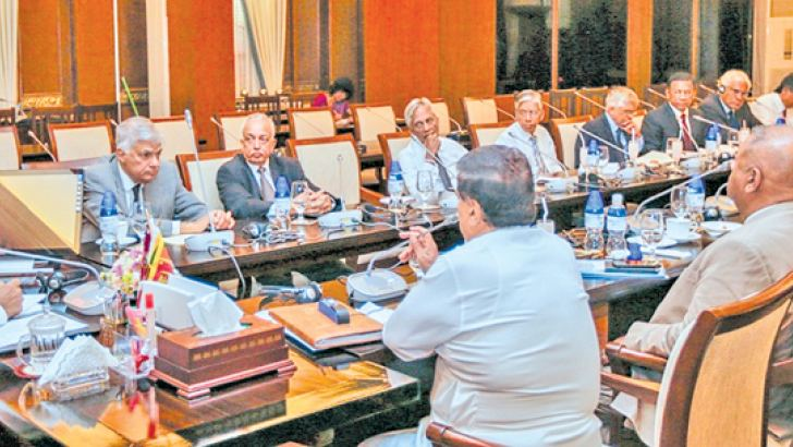 President Maithripala Sirisena, Prime Minister Ranil Wickremesinghe, Ministers Sarath Amunugama, Nimal Siripala de Silva, Mangala Samaraweera, John Seneviratne, Sajith Premadasa, Rauff Hakeem, Malik Samarawickrema, Faizer Mustapha, Navin Dissanayake, President's Secretary Austin Fernando, NEC Secretary Prof.Lalith Samarakoon, Prime Minister's Secretary Saman Ekanayake, Cabinet Secretary Sumith Abeysinghe, Finance Ministry Secretary Dr.R.H.S.Samaratunge, Secretary to the Ministry of National policies and Eco