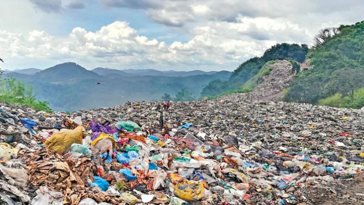 The mountain of garbage at the Randiwala Mountain. Picture by Saman Wijayabandara