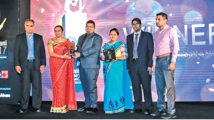 IgniterSpace, CEO and & Co-Founder Jehan Wijesinghe  receives the e-Swabhimani award for Learning & Education